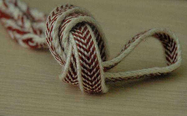 Čelenka | tkaní na karetkách
